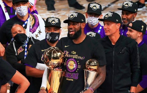 Congratulazioni a mio fratello per aver vinto il titolo Lakers Fratello Antetokounmpo: sono molto orgoglioso di te