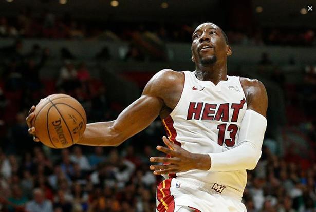 Gli Heat non hanno in programma di rinnovare Adebayor