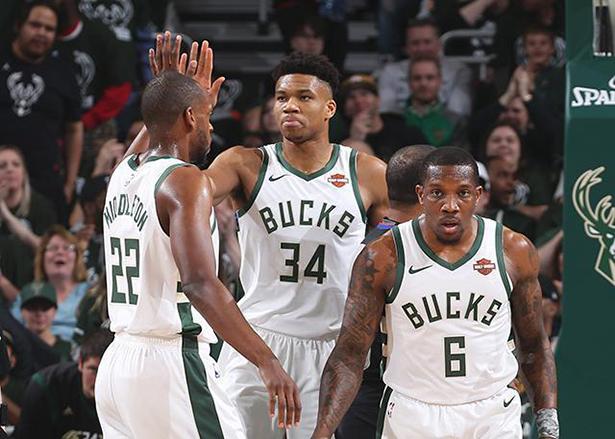 Probabilità natalizie NBA: gli esperti concordano su Bucks e Clippers, ma differiscono su Pelicans, Lakers e Nets
